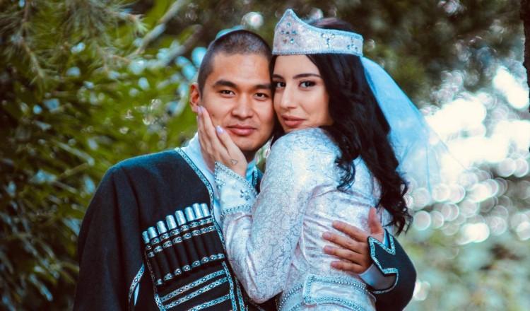 """""""საქართველოში რომ ჩამოვედით, ჩემი მეუღლე მეორე დღესვე მოინათლა, გაქრისტიანდა"""" - ქართველი გოგონას და ჩინელი ბიჭის სიყვარულის ისტორია"""